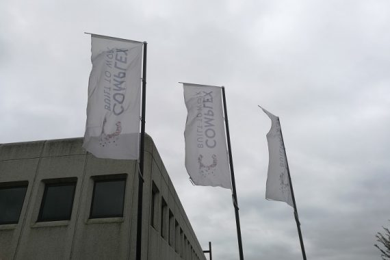 Vlaggen-met-logo